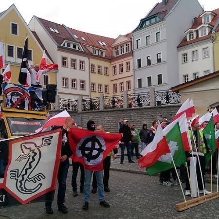 (Polski) Solidarni z uchodźcami i uchodźczyniami! Udział wrocławskich aktywistek i  aktywistów w kontrmanifestacji w Zgorzelcu/Goerliz