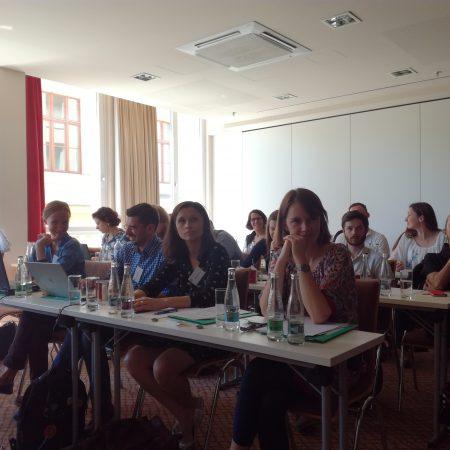 (Polski) Nomada w delegacjach